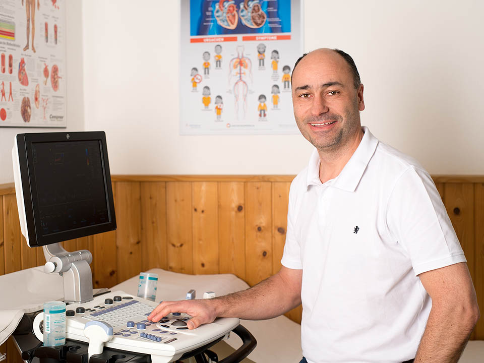 Dr. Michael Huber in deiner Praxis in Kirchdorf an der Krems.